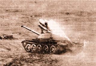 СССР. Танк Т-62 с болками орудий для НАР. http://foto.mail.ru/mail/de_mabas/233/2935#2934