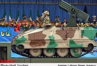 Военный парад 2010 года. Иран. http://www.uskowioniran.com/2010/04/iran-military-day-parade-2010-4.html