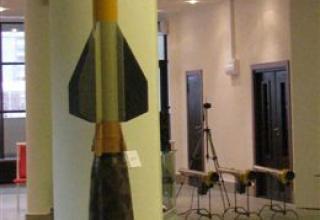 Макет зенитной управляемой ракеты 57Э6-Е
