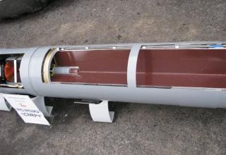 Частичный вид головной части макета корректируемого реактивного снаряда РСЗО