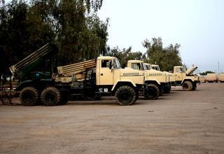 БМ с российскими артиллерийскими частями на шасси Краз. Таджи (Taji), Ирак. 2010. Остатки старой армии обновляются для новой.