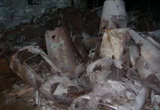 Части самолета-снаряда ФАУ-1 в подземном промышленном блоке концлагеря