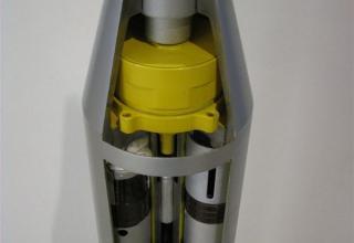 Внутренняя компоновка макета головной части неуправляемого реактивного снаряда 9М218 для РСЗО