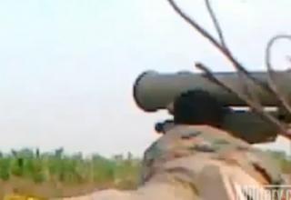 Сирийские повстанцы стреляют по танку Т-72 в Madiq Castle ПТУР Метис-М. Опубл. 15.03.2012 г. http://www.military.com