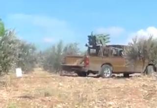 Бойцы Свободной Сирийской Армии нацеливают РС на контрольно-пропускной пункт. 10/16/2012. Батальон Ahrar al Sham.