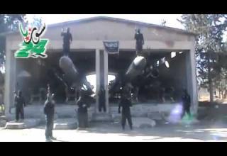 Ракеты Scud, захваченные повстанцами. http://news.smashpipe.com/?s=bestphotoslide&t=a