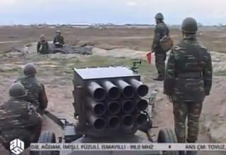Азербайджан: http://www.enduringamerica.com/home/2013/3/30/syria-exclusive-new-arms-for-insurgents-the-case-of-the-croa.html