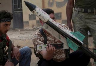 Боевики ССА готовятся к пуску ракеты в Deir al-Zor. www.abc.net.au. Опуб.20.05.2013 г. washingtonpost.com.