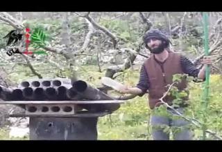 Опуб. в апр.Ракетная установка Свободной Армии Сирии.http://www.megaswf.com/files/Users/5/25/125/125/20130103/3fd_1365802600.jpg