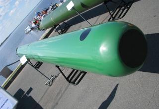 Макет универсальной глубоководной самонаводящейся торпеды