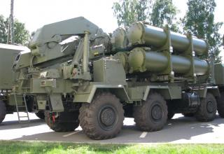 Транспортно-перегрузочная машина из состава берегового ракетного комплекса