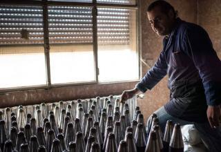 Самодельные ракеты на секретной фабрике повстанцев в Al-Bab,около Алеппо,19.01.2013г.Edouard Elias/AFP/Getty Images. news.com.au