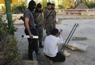 21.07.2013 г. Боевики ССА готовят пусковую площадку для пуска их самодельной ракеты в Deir al-Zor.http://ppe-today.msnbc.msn.com