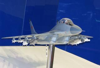 Модель истребителя МиГ-29К. ©С.В.Гуров (Россия, г.Тула)