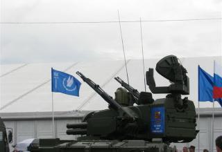 Демонстрационный вариант ЗСУ 2С6М1 из состава ЗПРК