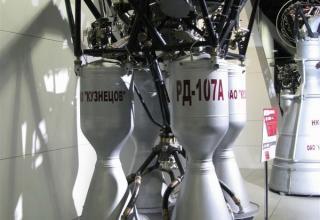 Макет ракетного двигателя РД-107А. ©С.В.Гуров (Россия, г.Тула)