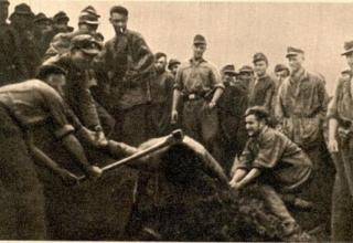 http://nashstrah.com/vojny/407-foto-zverstv-fashistov-cheloveku-rubyat-golovu.html