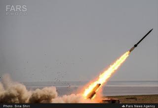 Стрельба РС Fajr 5. http://english.farsnews.com