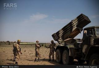 Подготовка к стрельбе боевой машины БМ-21. http://english.farsnews.com