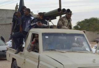 Ливийская установка в Гао.http://koulouba.com/nord-mali/cest-arrive-gao-le-18-mars-une-roquette-tiree-et-deux-autres-desamorcees