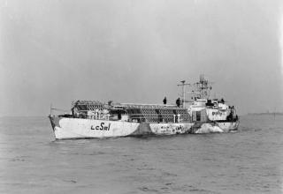 © IWM (FL 7036). ВМФ Британии. Десантный корабль (ракетный). www.iwm.org.uk/collections/item/object/205120561