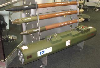 Макеты авиационных ракет и авиационного блока орудий от Forges de Zeebrugge (Бельгия). ©Tomasz Szulc (Польша).