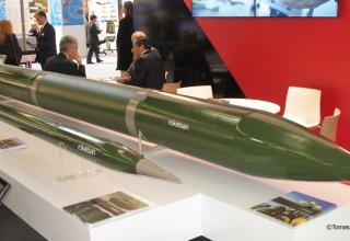 Макет ракеты калибра 300 мм (Турция). ©Tomasz Szulc (Польша).