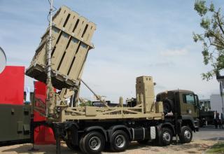 Выставочный образец пусковой установки комплекса противовоздушной обороны Iron Dome (Израиль). ©Tomasz Szulc (Польша)