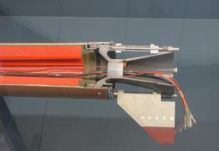 Хвостовая часть макета РДТТ LAR-Motor DM 14 с зарядом двухосновного ТТ, 1984 год. ©Власов С.Б. (Россия, г. Москва)