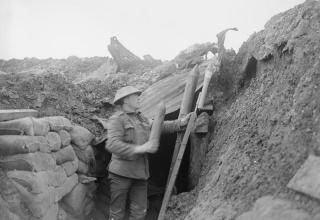 © IWM (Q 8457). http://www.iwm.org.uk/collections/item/object/205244322