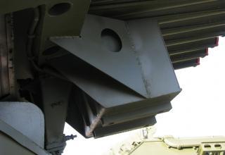Боевая машина БМ-21 по данным на штендере. В действительности, боевая машина 2Б17-1. ©С.В. Гуров (Россия, г.Тула).