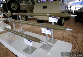 Макеты РС калибра 122 мм. Сверху вниз: CS/BRE1; CS/BRE2 и неизвестный.
