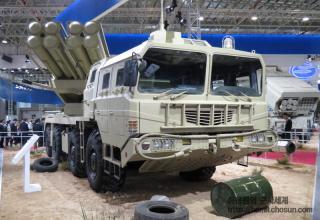 Демонстрационный вариант боевой машины РСЗО AR3 (Китай)