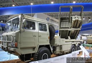 Демонстрационный вариант боевой машины РСЗО SR5 (Китай).