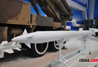 Макет реактивного снаряда системы SY300