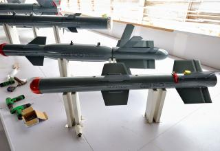 http://china-defense.blogspot.ru/2014/11/photos-of-day-zhuhai-2014-air-show.html
