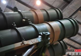 Элемент конструкции ПУ ЗРК FK-3. http://www.china-defense-mashup.com/fk-3-sam-missile-in-2014-zhuhai-air-show.html