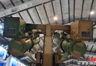 Элемент конструкции ПУ ЗРК KS-1C. http://www.china-defense-mashup.com/ks-1c-sam-missile-in-2014-zhuhai-air-show.html