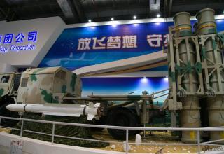 Демонстр. вapиaнт ПУ и макет ЗУP ЗРК HQ-16. http://www.china-defense-mashup.com/hq-16-sam-missile-in-2014-zhuhai-air-show.html