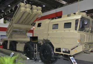 Демонстрационный вариант БМ РСЗО AR3 с 2-мя ТПК для УРС калибра 370 мм (Китай). http://www.janes.com 22.02.2015 г.