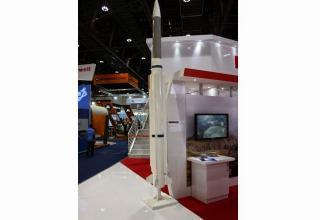 Макет нового варианта ракеты AMRAAM от компании Raytheon (CША). http://worlddefencenews.blogspot.ru/