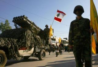 Военный парад в городе Набатия (Ливан) 07.11.2014г. www.stratfor.com