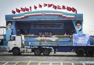 Тегеран. Xinhua/Ahmad Halabisaz. http://news.xinhuanet.com/english/photo/2015-04/19/c_134162917_2.htm