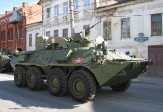 Перед парадом. улица Менделеевская. ©С.В. Гуров (Россия, г.Тула).
