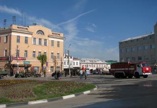 Перед парадом. Площадь Челюскинцев. ©С.В. Гуров (Россия, г.Тула).