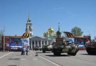 БТР-4М и БТР-МДМ (в середине). Военный парад. Площадь Ленина. ©С.В. Гуров (Россия, г.Тула).