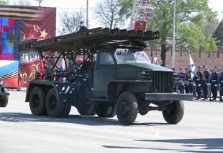Установка М-13 на военном параде. Площадь Ленина. ©С.В. Гуров (Россия, г.Тула).