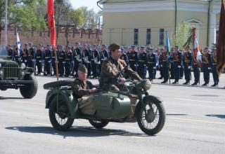Мотоцикл на военном параде. Площадь Ленина. ©С.В. Гуров (Россия, г.Тула).