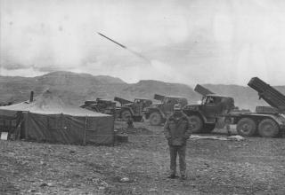 Боевые машины БМ-21 РСЗО