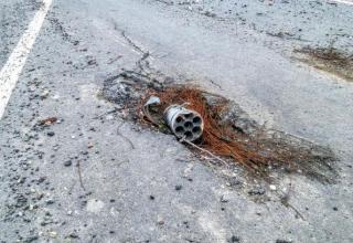 Остаток РЧ РС калибра 122 мм. http://voicesevas.ru/news/yugo-vostok/15332-hronika-voennyh-sobytiy-v-novorossii-za-26062015.html